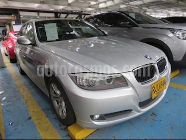 Foto BMW Serie 3 320i usado (2011) color Plata precio $47.900.000