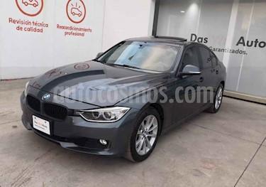 BMW Serie 3 4p 328i L4/2.0/T Aut usado (2014) color Gris precio $291,990