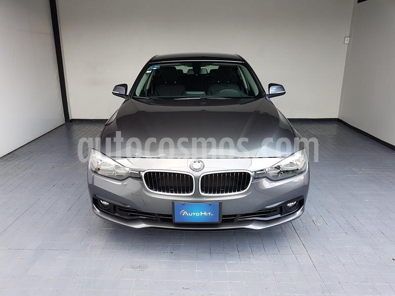 BMW Serie 3 320i usado (2017) color Gris Mineral precio $385,000