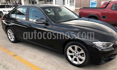 BMW Serie 3 320iA usado (2015) color Negro Zafiro precio $230,000,000