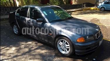 BMW Serie 3 330i Lujo usado (2001) color Plata Metalizado precio $40,000