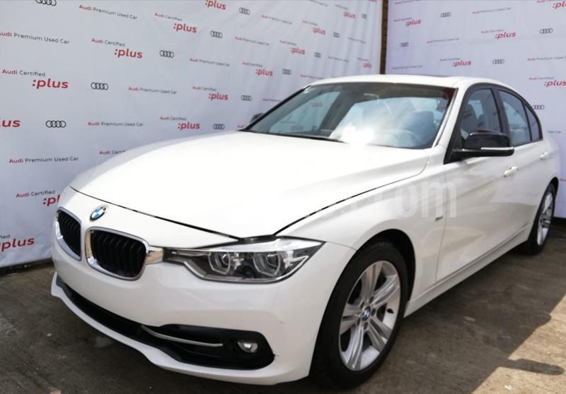 BMW Serie 3 320iA Sport Line usado (2017) color Blanco precio $340,000