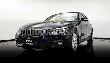 BMW Serie 3 320i usado (2016) color Violeta precio $300,000
