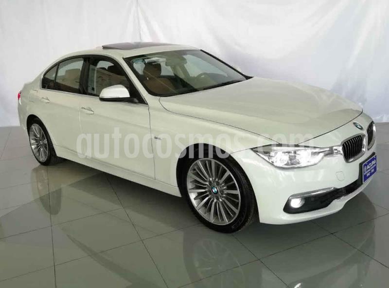 BMW Serie 3 4p 330i Luxury Line L4/2.0/T Aut usado (2017) color Blanco precio $440,000