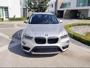 Foto BMW X1 sDrive 18iA usado (2018) color Plata Cristal precio $408,500