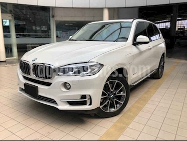 foto BMW X5 xDrive 40e Excellence (Híbrido) usado (2017) color Blanco precio $690,000