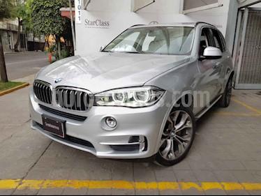 BMW X5 5p X5 xDrive50i Excellence V8/4.4/T Aut usado (2014) color Plata precio $470,000