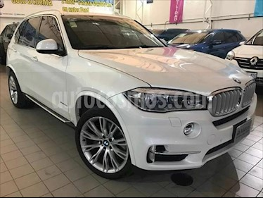 Foto BMW X5 xDrive50iA Excellence usado (2018) color Blanco precio $836,000