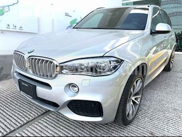 Foto BMW X5 xDrive50iA M Sport usado (2017) color Plata precio $700,000