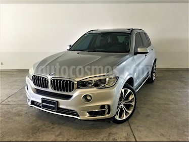 Foto venta Auto Seminuevo BMW X5 xDrive50iA Excellence (2014) color Gris Space precio $580,900
