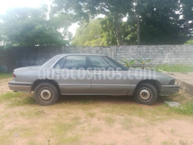 Buick Lesabre 6 puestos usado (1993) color Gris precio u$s330
