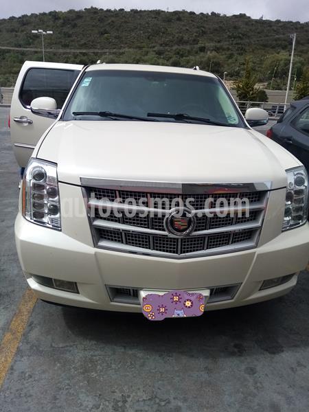 Cadillac Escalade ESV Platinum 8 Pasajeros usado (2014) color Blanco Diamante precio $440,000