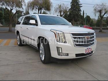 Foto venta Auto Seminuevo Cadillac Escalade ESV Paq P Platinum  (2016) color Blanco Diamante precio $1,190,000