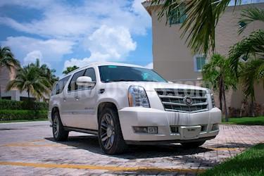 Cadillac Escalade ESV Platinum usado (2013) color Blanco Diamante precio $700,000