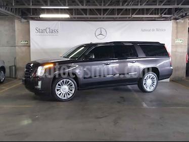 Cadillac Escalade 5p ESV Premium E V8/6.2 Aut 8/Pas usado (2017) color Gris precio $899,000
