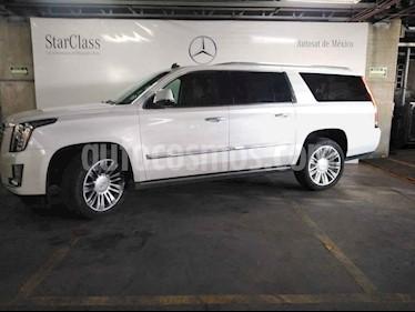 Cadillac Escalade 5p ESV Platinum P V8/6.2 Aut usado (2016) color Blanco precio $899,000