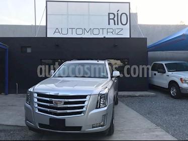 Cadillac Escalade Paq B 4x4 Lujo usado (2015) color Plata precio $739,000