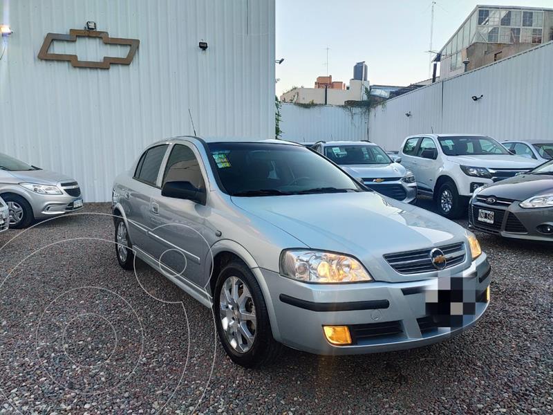 Foto Chevrolet Astra GLS 2.0 4P usado (2011) color Plata precio $769.000