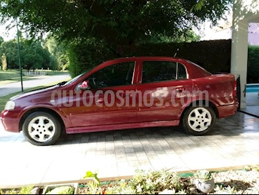 Foto Chevrolet Astra CD 2.0 4P usado (2001) color Rojo precio $140.000