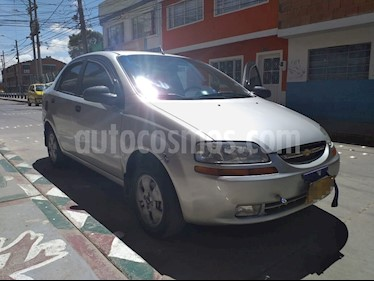 Foto venta Carro usado Chevrolet Aveo Family 1.5L (2011) color Plata precio $23.000.000