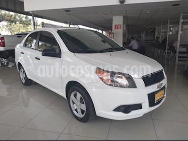 Foto Chevrolet Aveo 4P LTZ TA A/AC. VE CD BA ABS F. NIEBLA RA-15 usado (2017) color Blanco precio $138,000