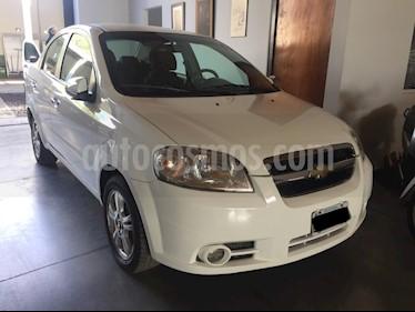 Chevrolet Aveo - usado (2011) color Blanco precio $370.000