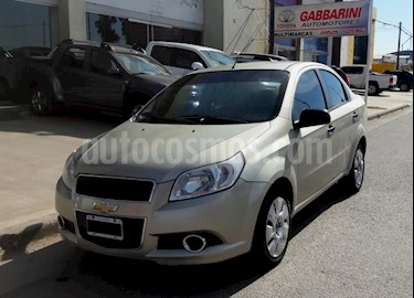 Chevrolet Aveo LS usado (2013) color Dorado precio $365.000