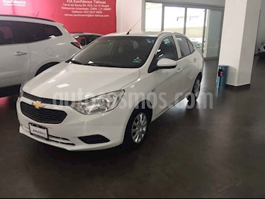 foto Chevrolet Aveo LS usado (2017) color Blanco precio $179,000