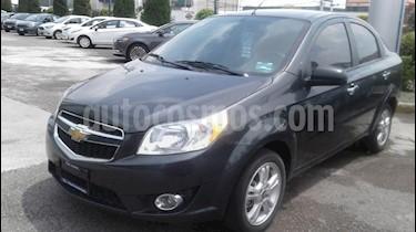 Foto venta Auto Seminuevo Chevrolet Aveo LT Aut (2017) color Gris precio $165,000