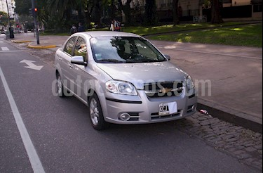 Foto venta Auto usado Chevrolet Aveo LT (2011) color Plata precio $375.000