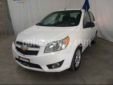 Foto venta Auto usado Chevrolet Aveo LTZ Aut (2017) color Blanco precio $133,900