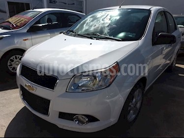 Foto venta Auto Seminuevo Chevrolet Aveo LTZ (2015) color Blanco precio $139,000
