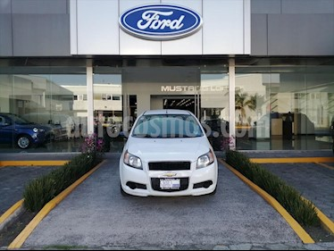 foto Chevrolet Aveo LS, AUTOMÁTICO CON A/A, CON RADIO usado (2017) color Blanco precio $114,000