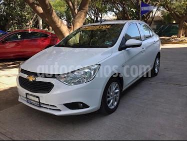 Chevrolet Aveo LT Aut usado (2019) color Blanco precio $195,000