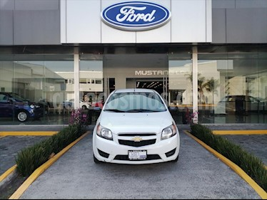 Chevrolet Aveo LS, MANUAL CON A/A Y RADIO usado (2017) color Blanco precio $109,000