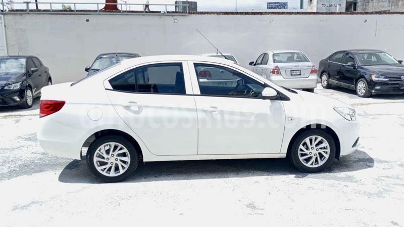 Chevrolet Aveo LT Aut usado (2019) color Blanco precio $189,900