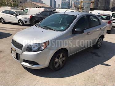 Chevrolet Aveo 4p LT L4/1.6 Man usado (2015) color Plata precio $92,000