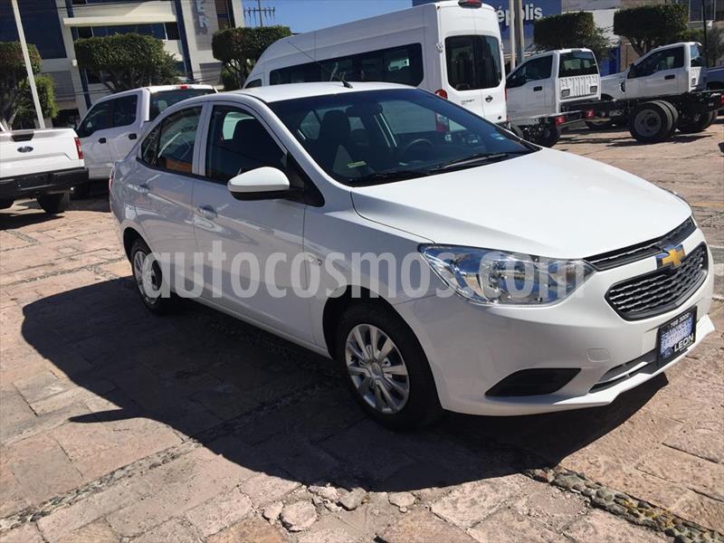 Chevrolet Aveo LS usado (2019) color Blanco precio $149,000