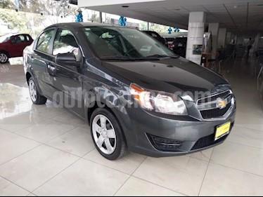 Chevrolet Aveo 4P LT AT A/AC. AUT. F. NIEBLA RA-15 usado (2018) color Gris precio $147,000