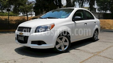 Chevrolet Aveo 4P LT TM5 A/AC. VE CD BLUETOOTH R-15 usado (2015) color Blanco precio $112,000