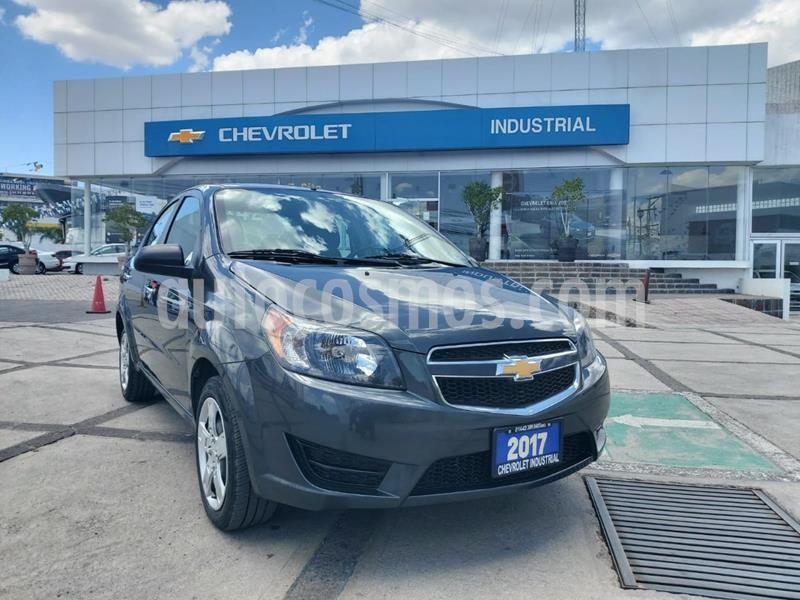 Chevrolet Aveo LT usado (2017) color Gris Oxford precio $145,000