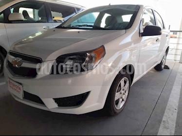 Chevrolet Aveo 4p LS L4/1.6 Aut B/A usado (2017) color Blanco precio $135,000