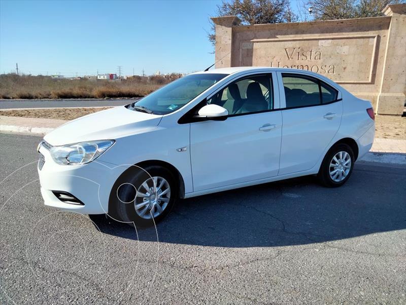 Foto Chevrolet Aveo LS usado (2019) color Blanco precio $199,900