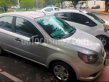 Chevrolet Aveo Paq B usado (2013) color Plata precio $80,000