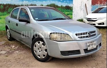 Foto venta Auto Seminuevo Chevrolet Aveo Paq M (2006) color Plata precio $59,000
