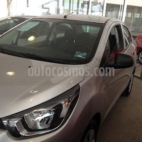 Foto venta Auto Seminuevo Chevrolet Beat LT Sedan (2018) color Plata precio $145,000