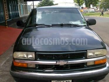 Foto venta carro usado Chevrolet Blazer Auto. 4x2  (2001) color Verde precio u$s1.800