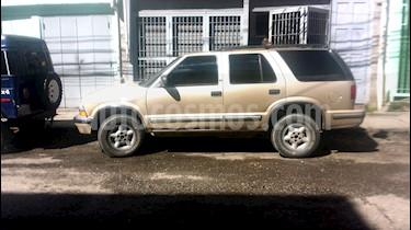 Foto venta carro usado Chevrolet Blazer Auto. 4x4 (2001) color Bronce precio u$s3.500
