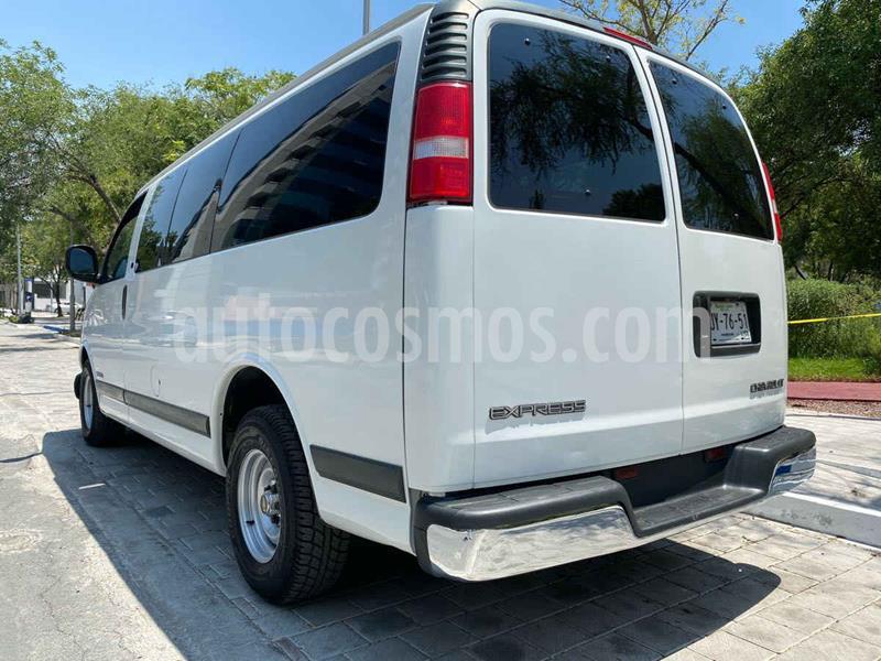 Chevrolet C-35 Estacas Cheyenne usado (2000) color Blanco precio $139,900