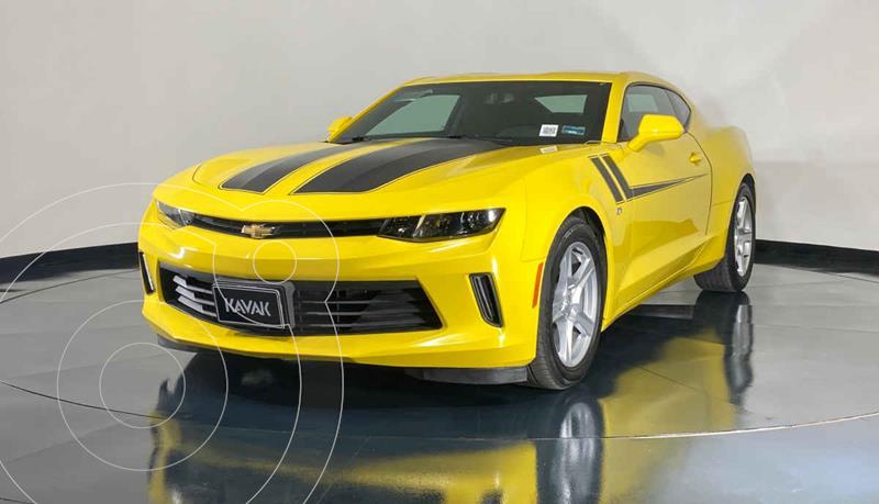 Foto Chevrolet Camaro LT usado (2016) color Amarillo precio $417,999